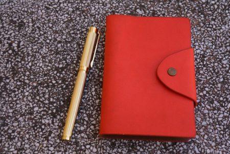 トップセールス営業女子が使う2019年最新手帳3選!これを使えば売上があがる!